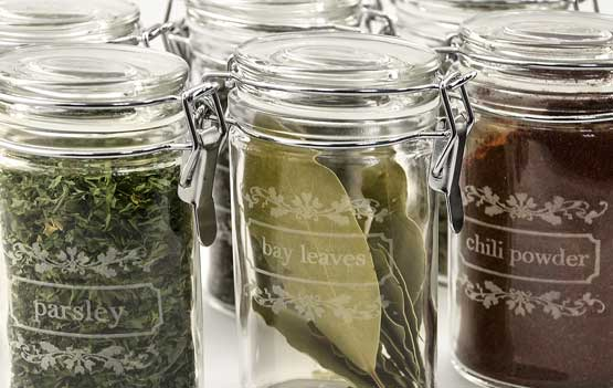 engraving glass spice jars