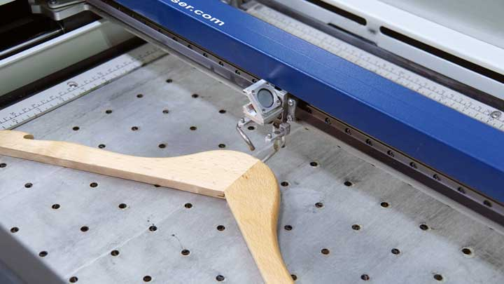 position the hanger for engraving